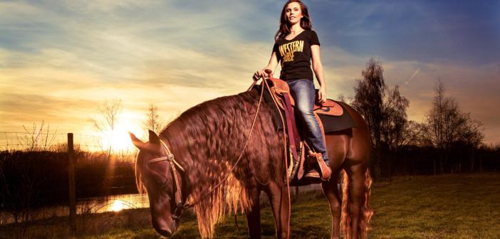 Nur noch wenige WESTERN HORSE-Shirts in den Größen XS und L!!!